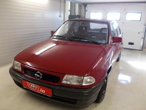 eladó Opel-Astra-F-1.6-16V-GL használtautó