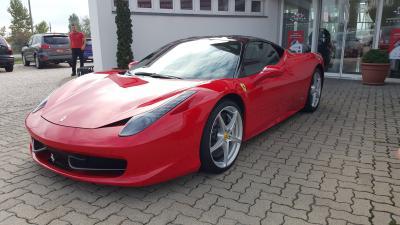 eladó Ferrari-458-ITALIA használtautó