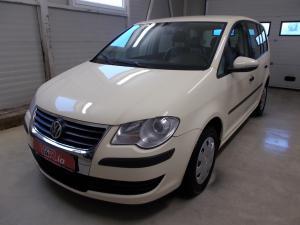 eladó Volkswagen-Touran-1.9-TDi-DSG-7-személyes használtautó