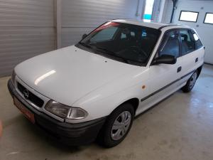 eladó Opel-Astra-F-1.4-i használtautó