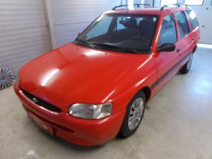 eladó Ford-Escort-Turnier-1.8-TD használtautó