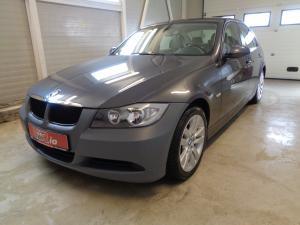 eladó BMW-318i-Sedan használtautó