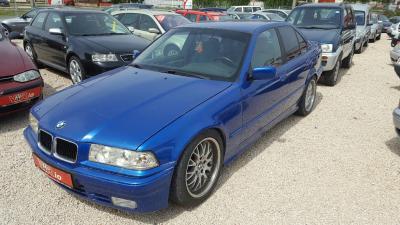 eladó BMW-318i-Sedan-Automata használtautó