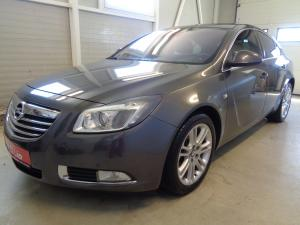 eladó Opel-Insignia-2.0-CDTi-Automata-Elegance használtautó