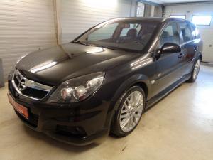 eladó Opel-Signum-3.0-V6-CDTi-OPC-Line használtautó