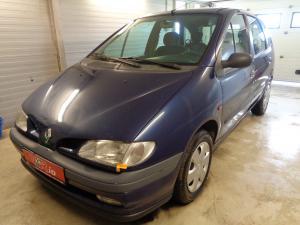 eladó Renault-Scenic-1.6i-RT használtautó