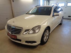 eladó Mercedes-E220-CDI-T-Elegance használtautó