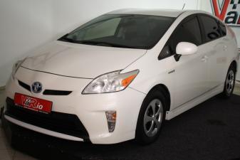 eladó Toyota-Prius-1.8-HSD-Executive-Hybrid használtautó