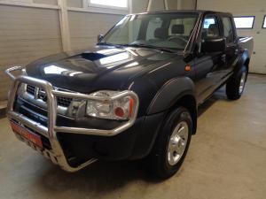 eladó Nissan-PickUp-2.5-D-4WD-Double használtautó