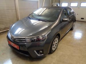 eladó Toyota-Corolla-1.6i-automata használtautó