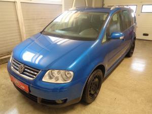 eladó Volkswagen-Touran-2.0-TDI-DSG-170LE használtautó