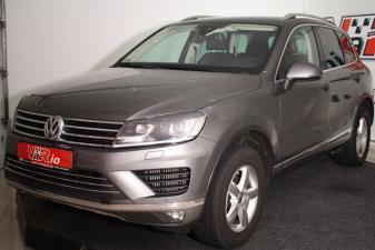 eladó Volkswagen-Touareg-3.0-V6-TDi-BMT-SCR-Tiptronic-- használtautó