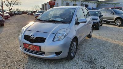 eladó Toyota-Yaris-1.3-Sol-93E-KM-el használtautó