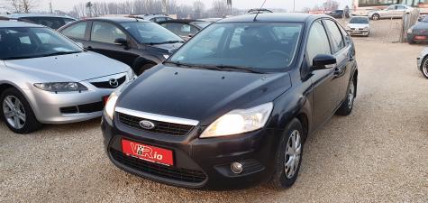 eladó Ford-FOCUS-1.6-Ghia használtautó