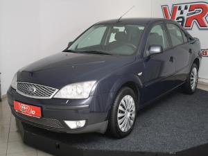 eladó Ford-Mondeo-Ghia-automata használtautó