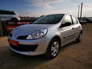eladó Renault-Clio-1.4-16V-Privilege használtautó