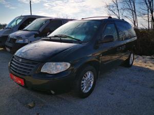 eladó Chrysler-Voyager-2.8-CRDi-Automata-7-személyes használtautó