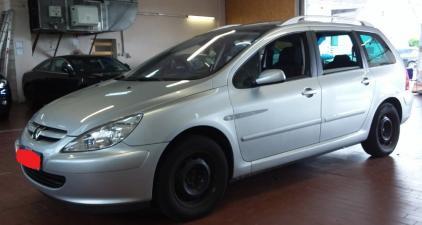 eladó Peugeot-307-SW1.6-Hdi--7-személyes használtautó